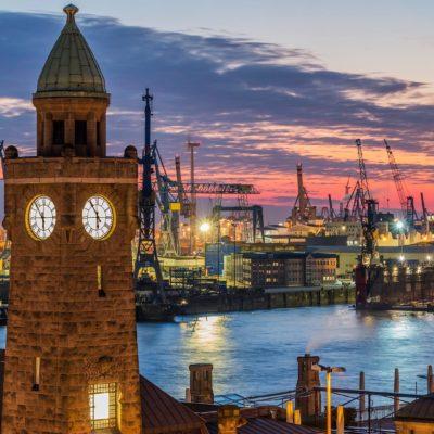 Bild von Hamburg bei Sonnenuntergang