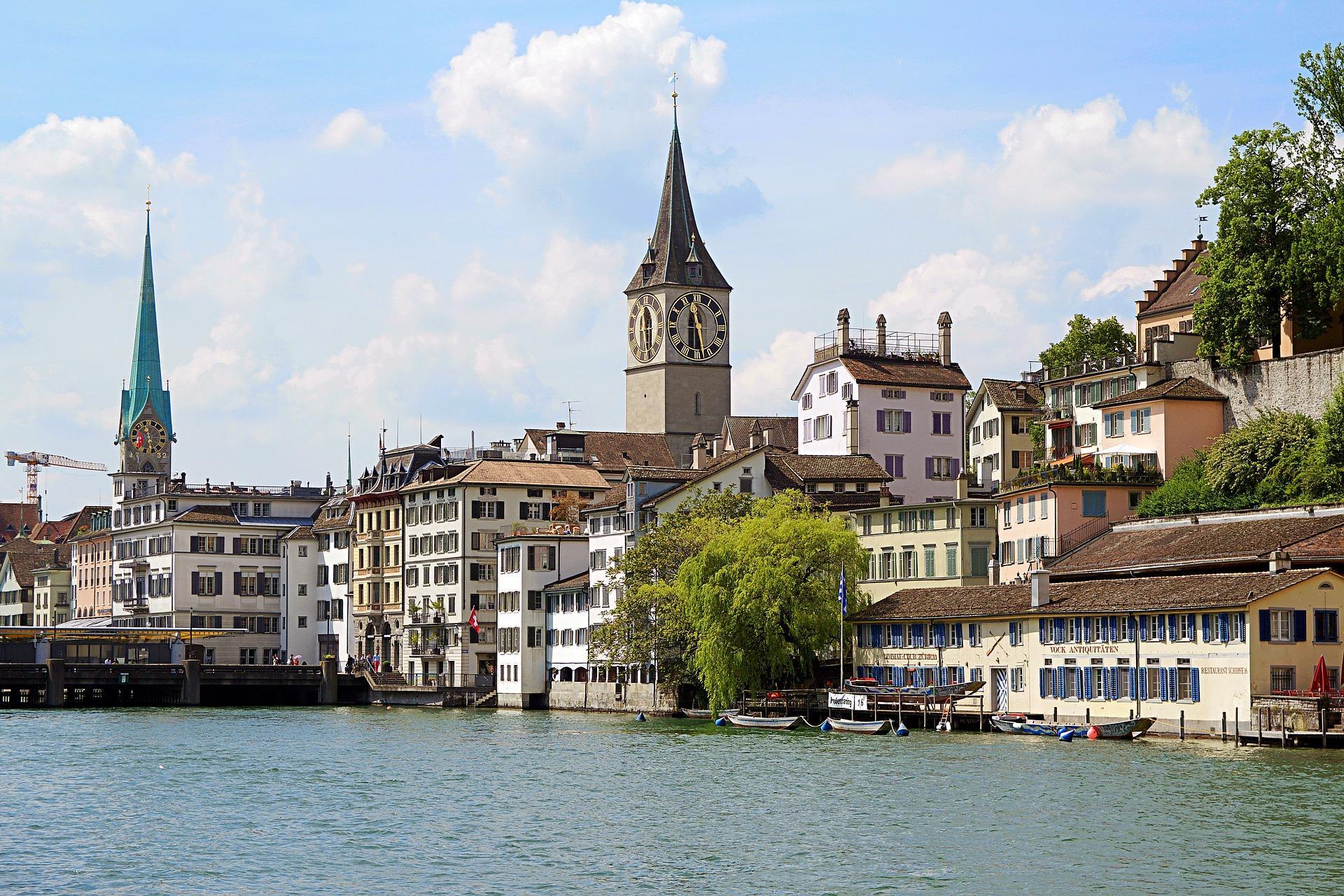 Bild von Zürich mit schönem Kirchturm