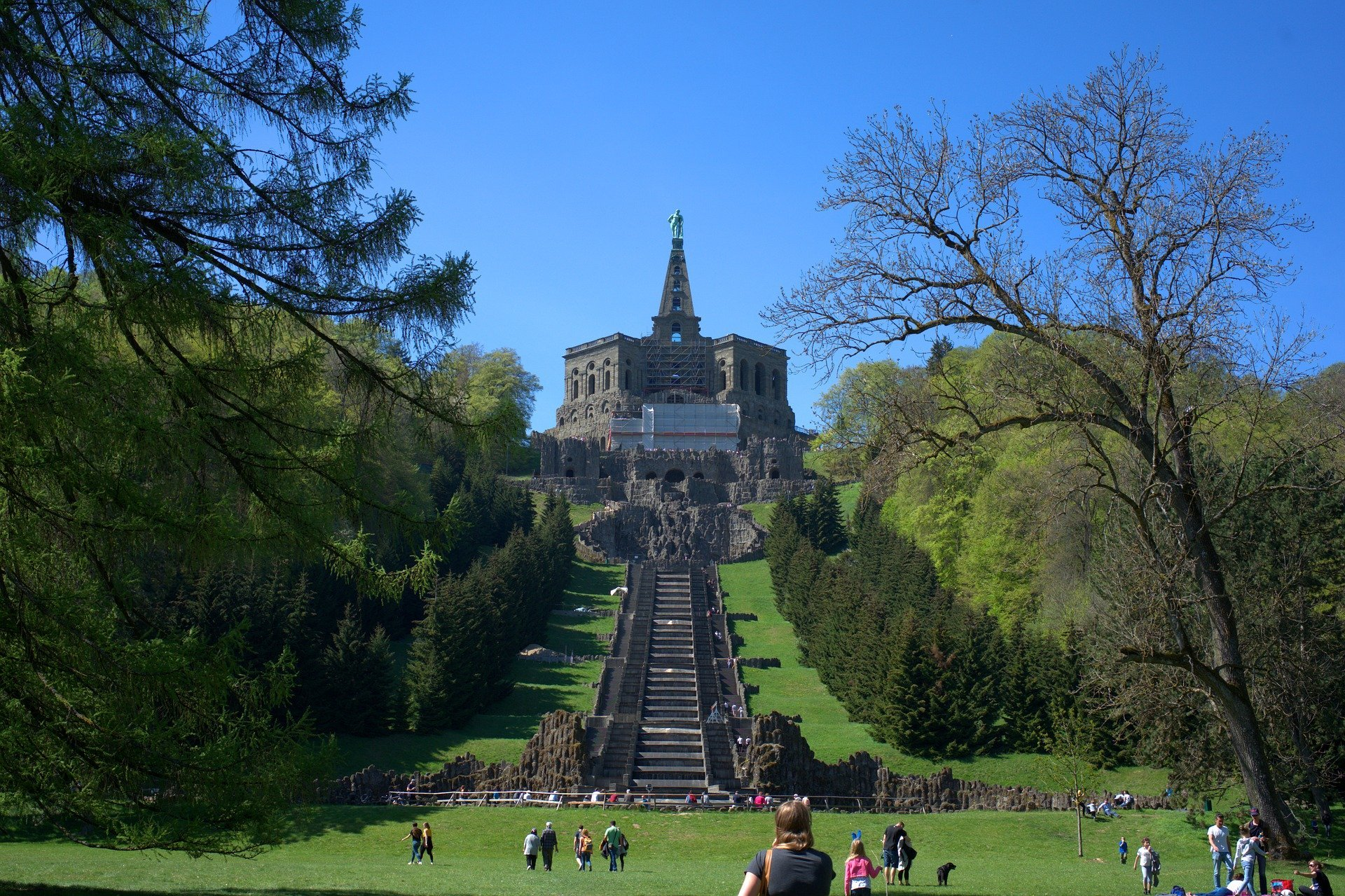 Blick zum Herkulesdenkmal in Kassel