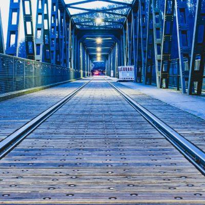 Eisenbahnbrücke in Hagen im Morgenlicht