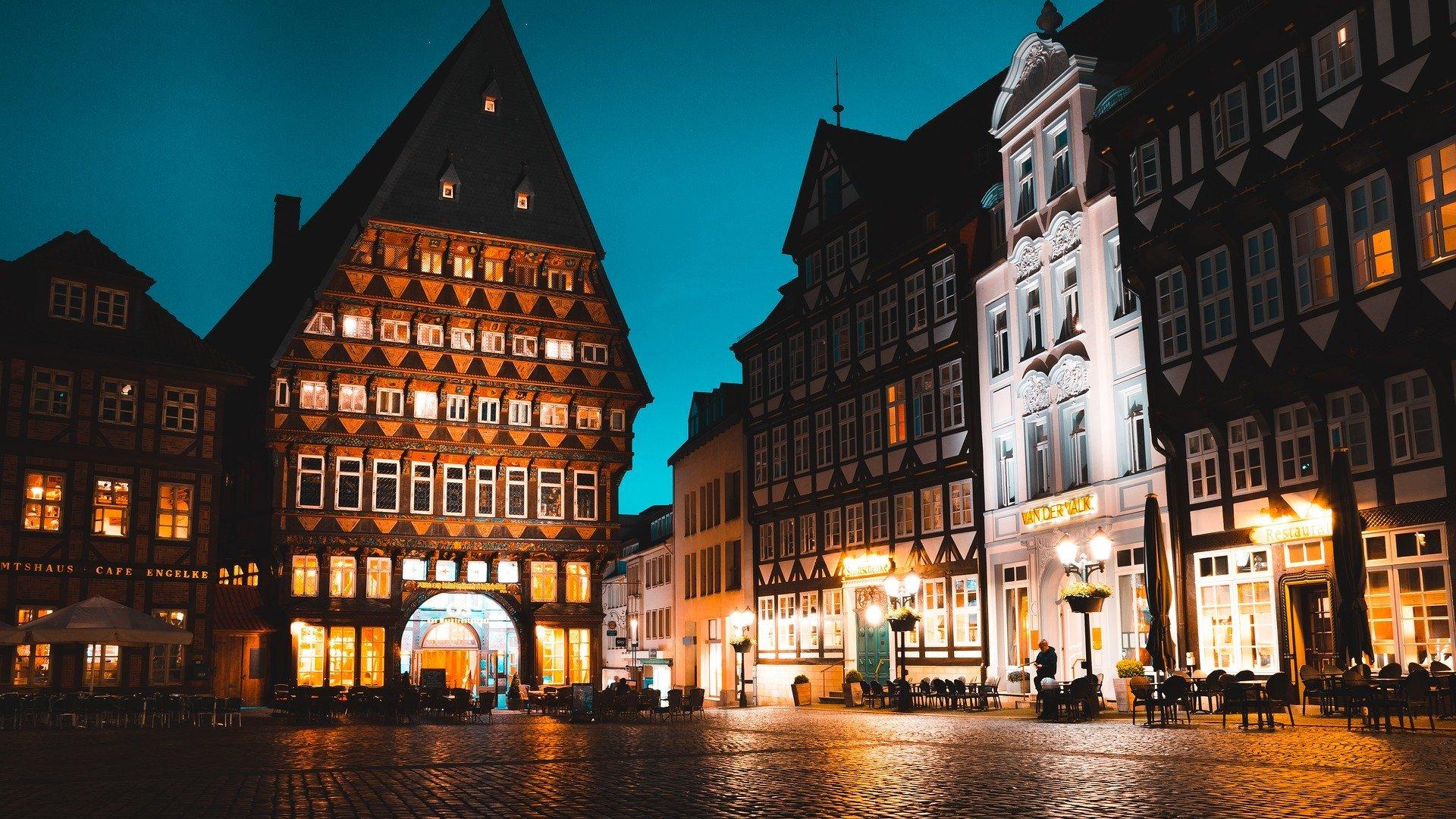 Marktplatz von Hildesheim bei Nacht