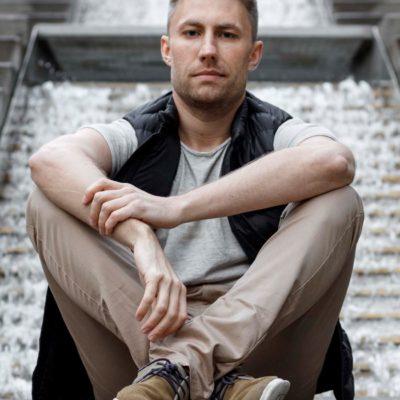 Callboy Jonas aus Karlsruhe arbeitet als Callboy für Frauen