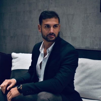 High-Class-Gigolo Samuel from London is offering an unique time for women
