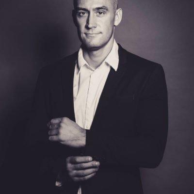 Callboy Thorsten aus Frankfurt bietet Hotelbesuche für Frauen