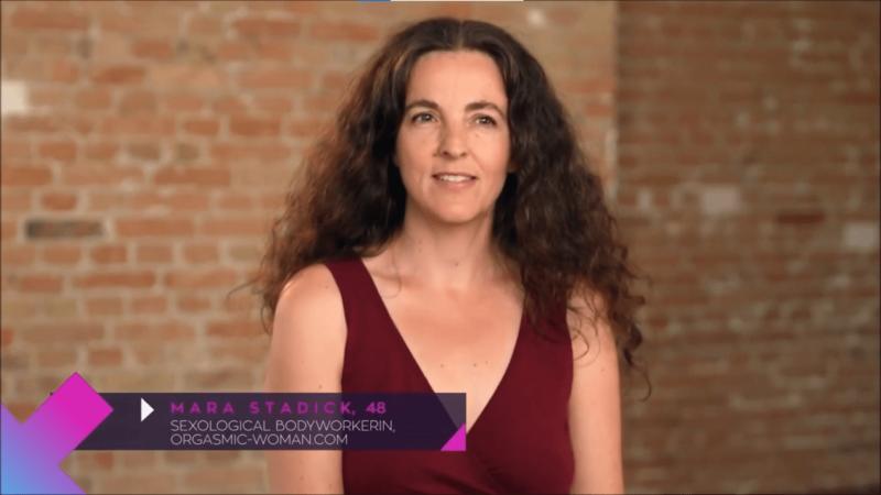 Mara Stadick beim Callboy Interview von Paula kommt