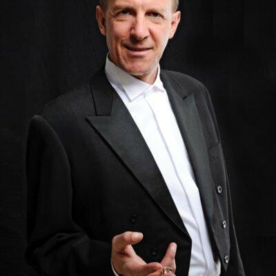 BDSM Callboy bietet seine Dienste in München an